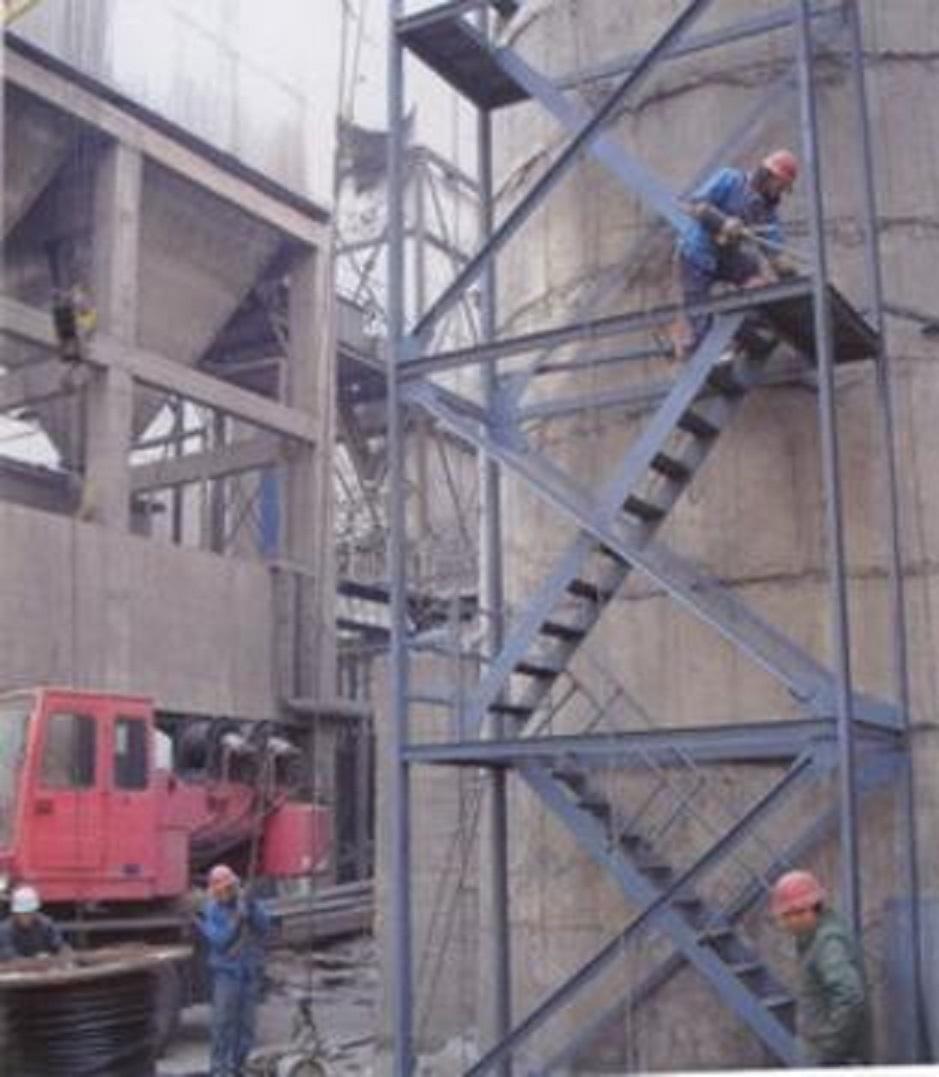 威海环翠烟囱安装检测台公司——兢兢业业