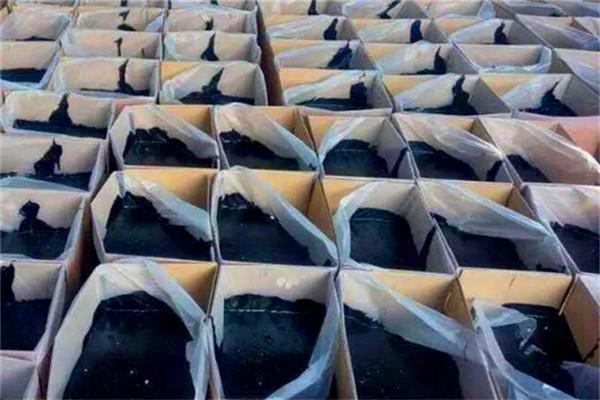 赤峰道路密封胶厂家供应:公路裂缝补缝胶水泥路养护