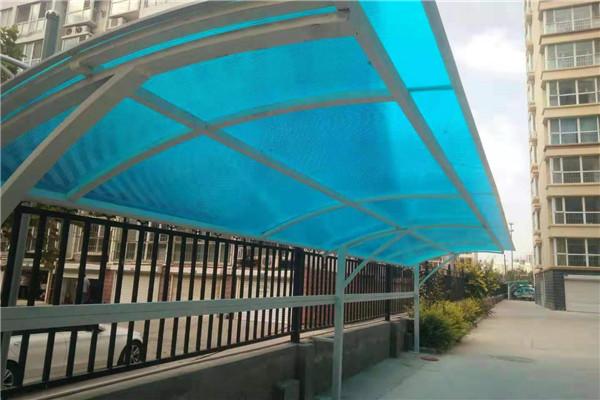 绥化透明空心阳光板来厂考察-中空pc阳光板厂