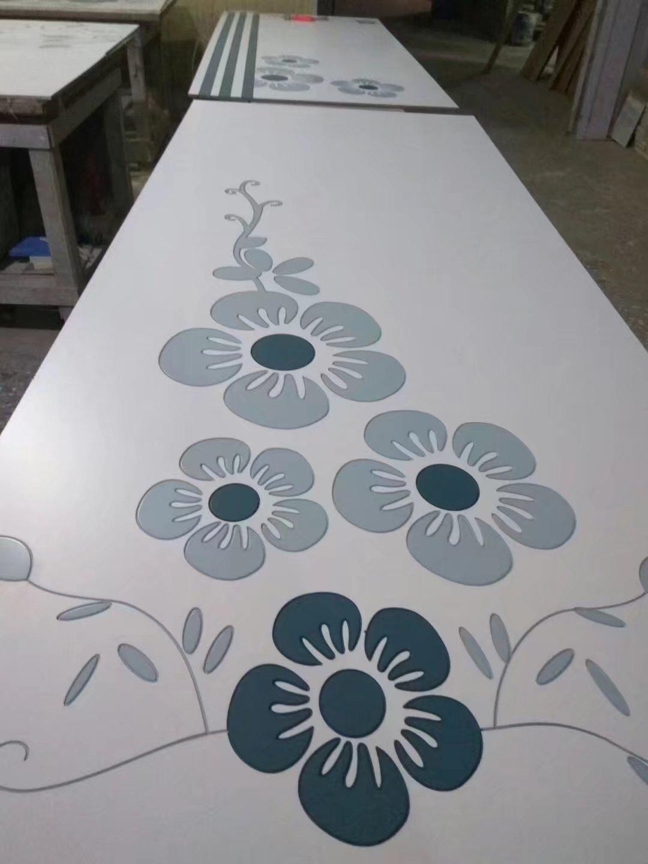 长春衣柜移门定制厂家,雕刻烤漆板,烤漆橱柜