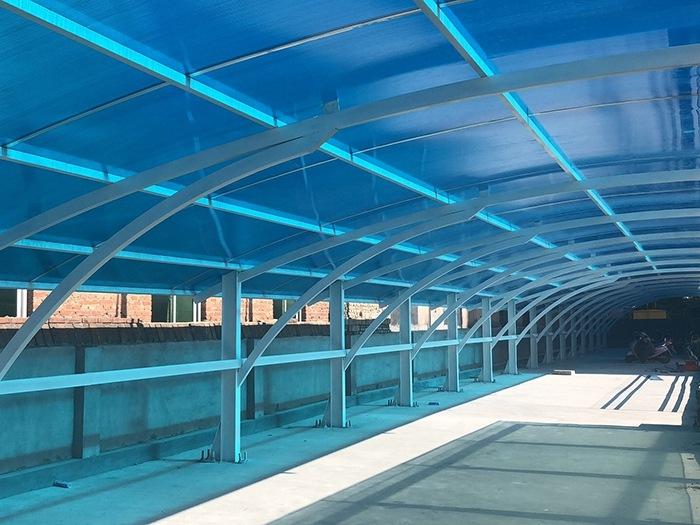 鹤岗蓝色阳光板车棚生产OK中空pc阳光板厂