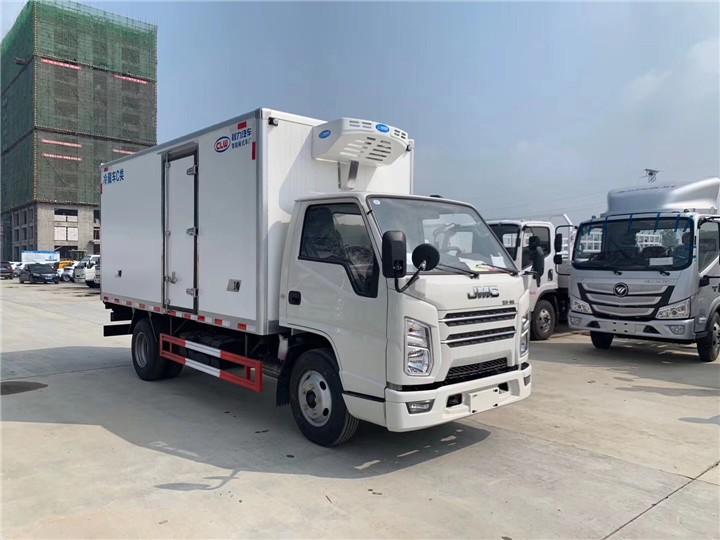 肇庆广宁6吨肉钩冷藏运输车多少钱一辆价格