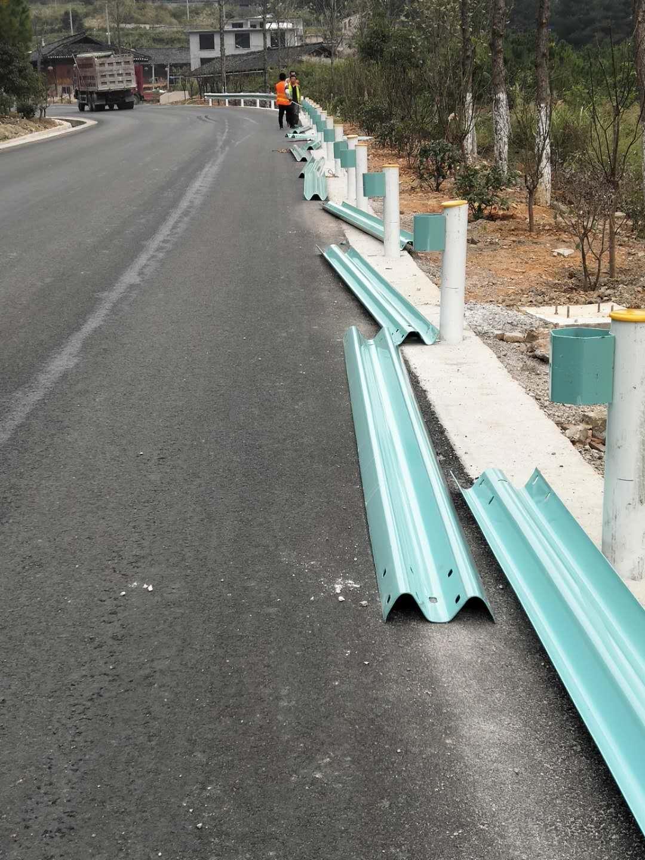 东宁乡村公路护栏板每米多少钱