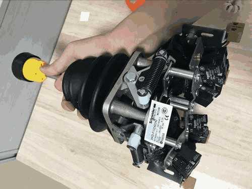 施耐德XKDF14352210主令控制器