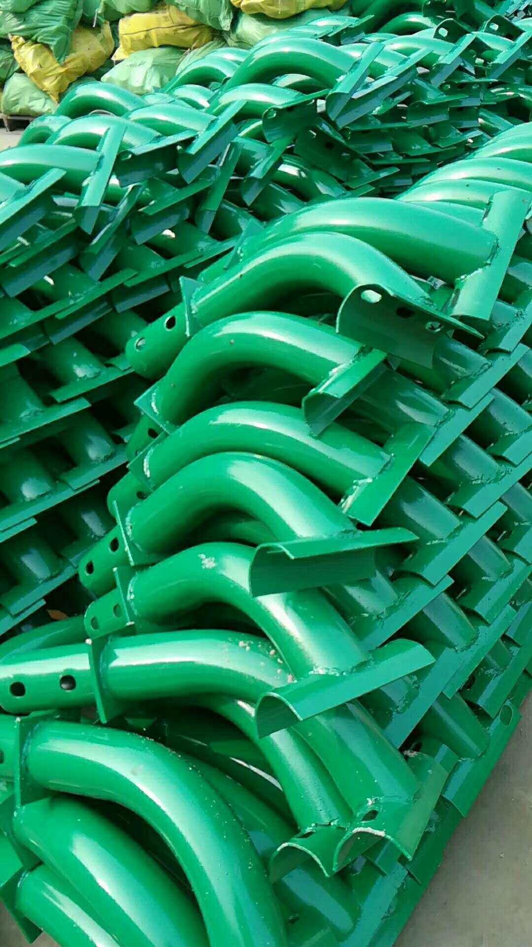 滨州无棣热镀锌波形护栏厂家报价销售安装及施工