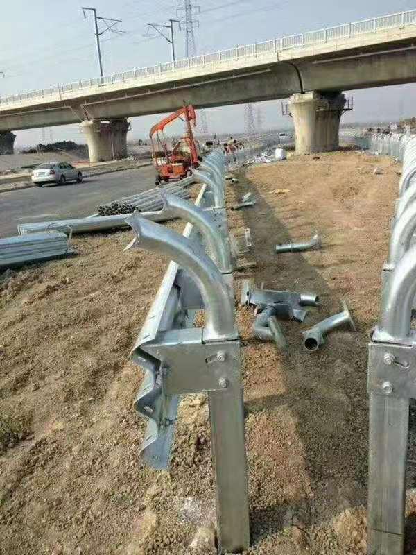 来宾市合山市波形护栏——旧板回收