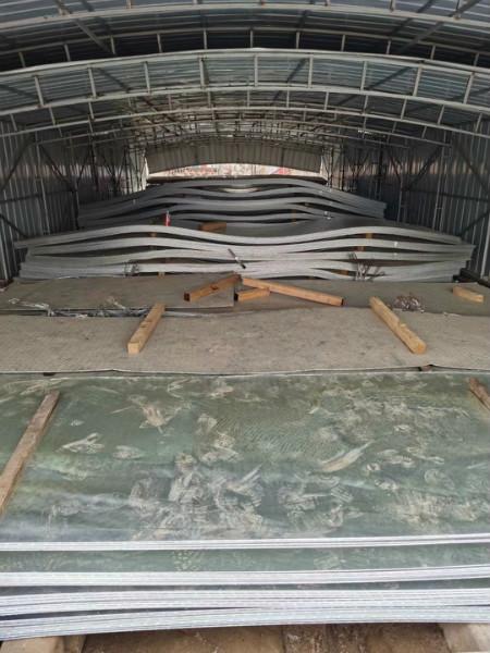 自贡市镀锌花纹板现货供应