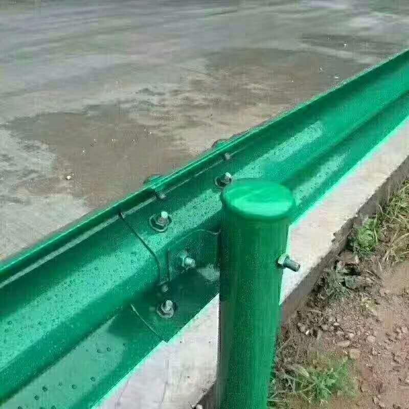 潍坊市潍城区波形护栏板每米多少钱