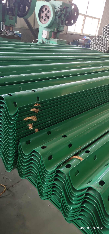 鹤岗工农波形护栏每米多少钱