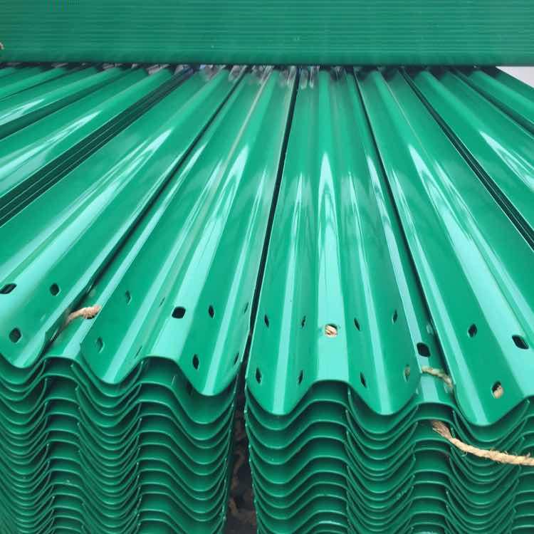 南漳热镀锌公路护栏板定做多少钱一米