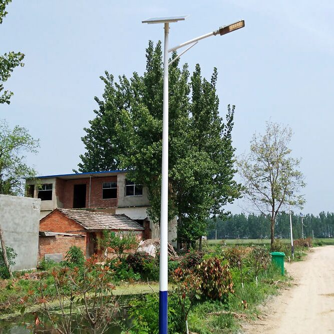 隆化县太阳能路灯生产厂家批发跑量