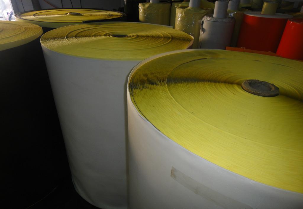 青岛自粘防滑硅胶透明脚垫自粘脚垫模切冲型模切厂家直销圆形防滑 单面自粘EVA胶垫