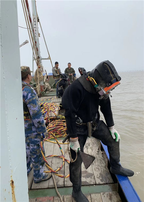 福州市潜水员服务公司---水下做的更好