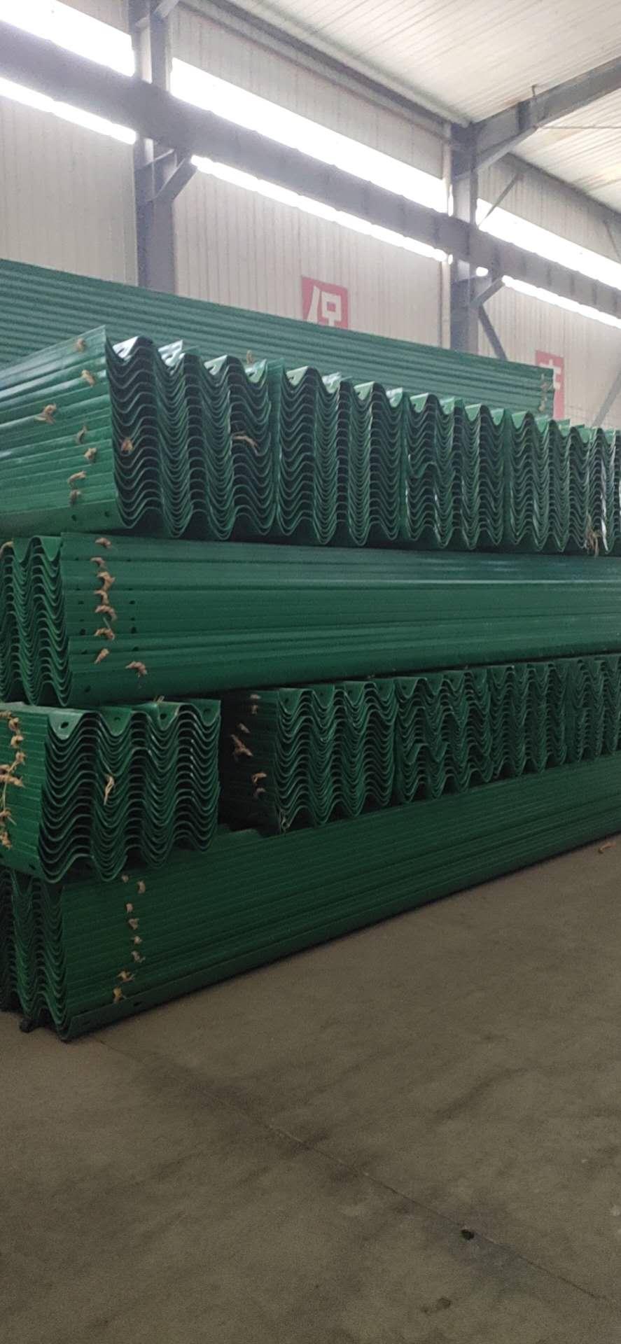 阜新市高速护栏板多少钱一米