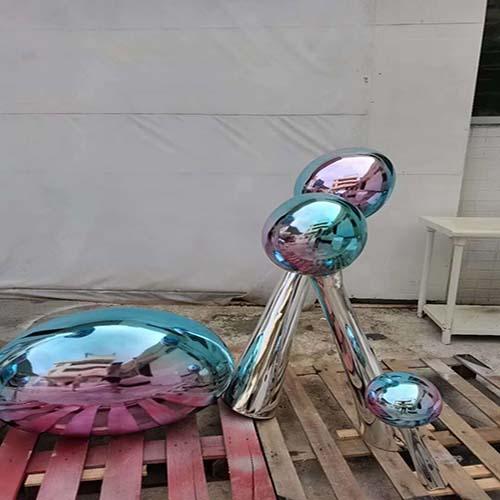 七台河雕塑厂家玻璃钢kaws公仔雕塑现货