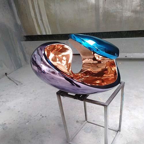 鞍山雕塑厂家玻璃钢卡通雕塑现货