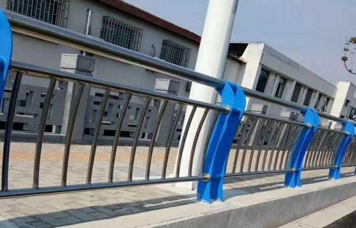 怒江傈僳族自治州201桥梁河道防撞护栏型号齐全