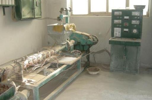 石排镇废旧挤压机回收详细解读
