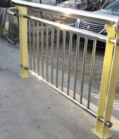 迪庆藏族自治州不锈钢景观护栏价格优惠