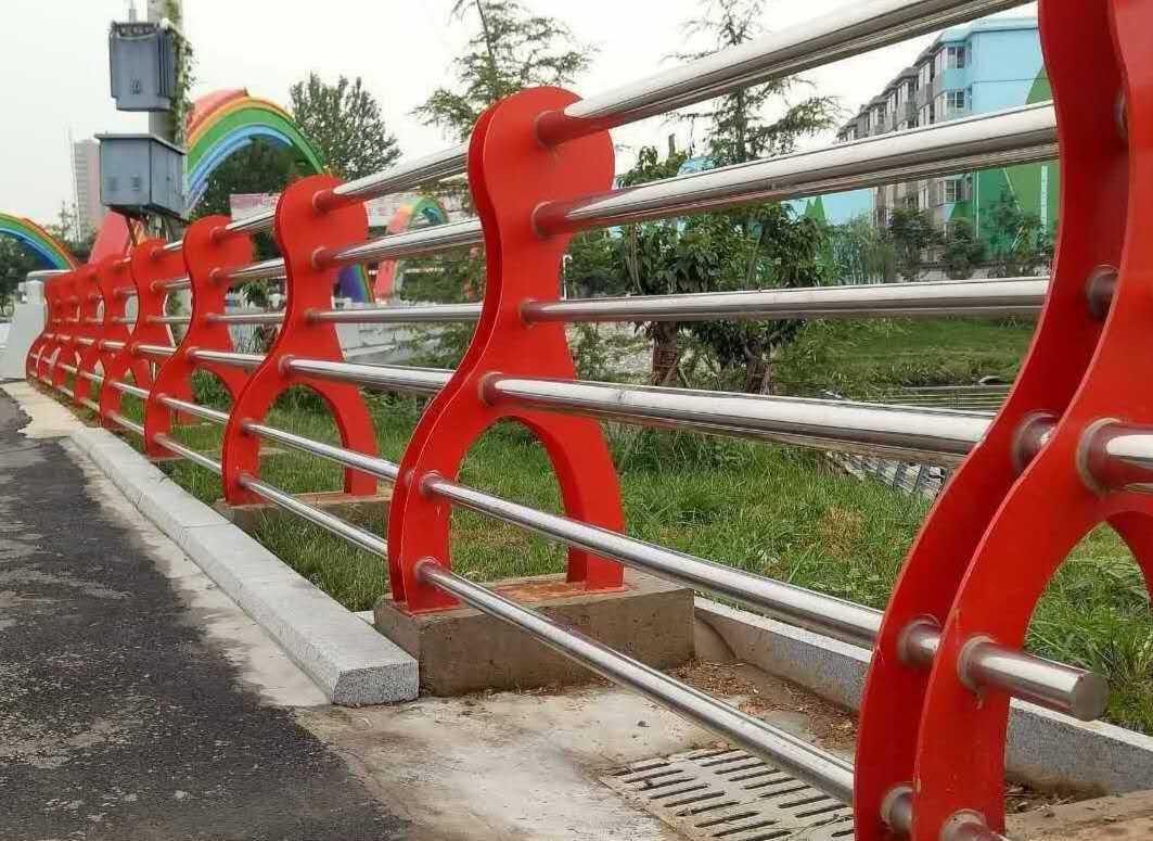 内蒙古自治区桥防撞护栏规格齐全