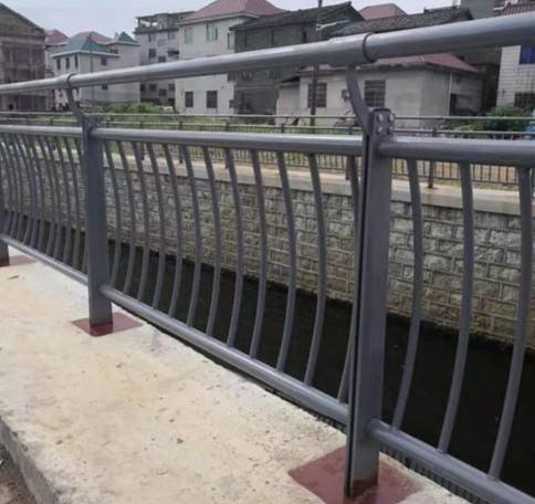 贵州省喷塑防撞护栏查看