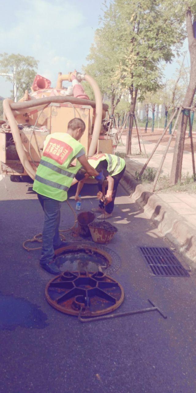 鄂州梁子湖区工地抽泥浆24小时服务收费很便宜哦