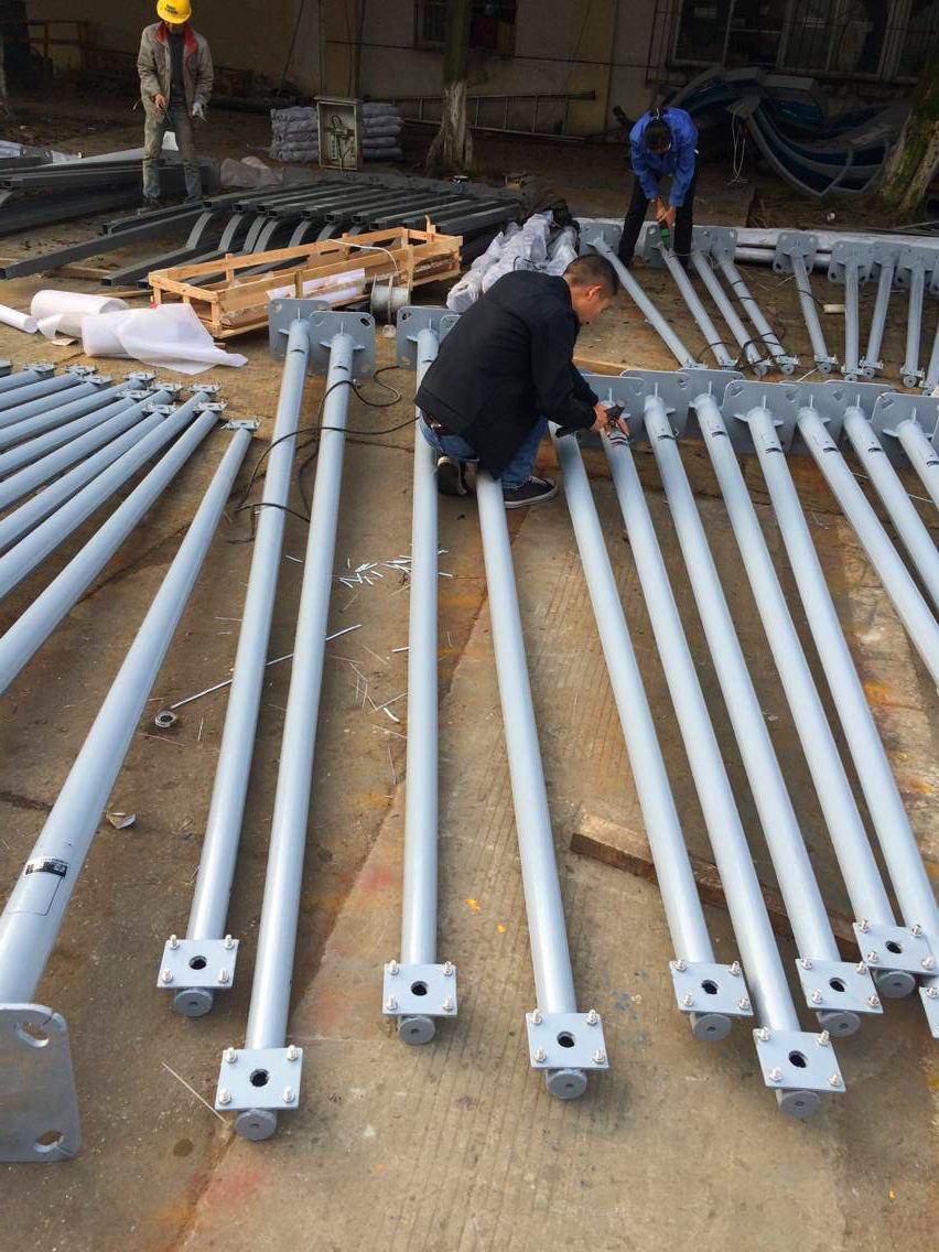 毕节市16米监控立杆双联动液压折弯机制作杆件厂家制作