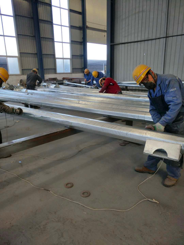 昆明市5.5米监控立杆生产单位制作杆件厂家制作