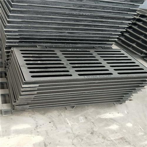 新型防尘降球墨铸铁井盖-300*500-铸铁井盖//文山
