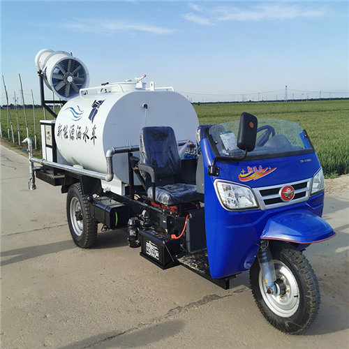 欢迎来电:铜川小区绿化消毒三轮洒水车操作简单