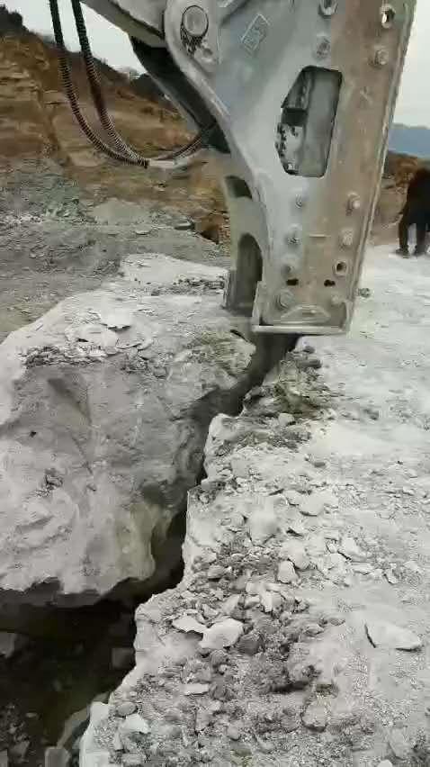 会昌地基整块硬石头怎么能快速的挖出来