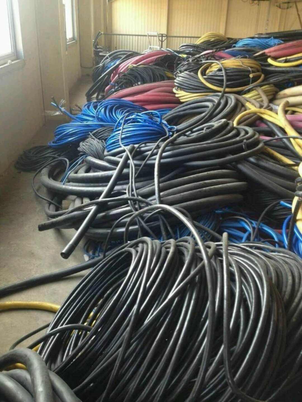 资质齐全:东莞石碣镇通信电缆拆除回收多少钱互惠互利