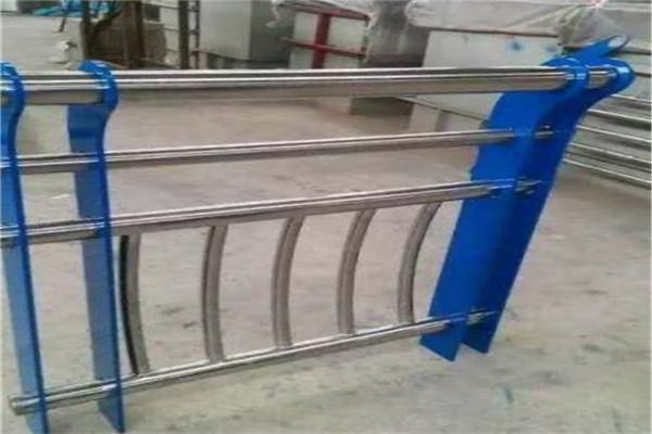 兰溪护栏常用不锈钢复合管什么价格一平方
