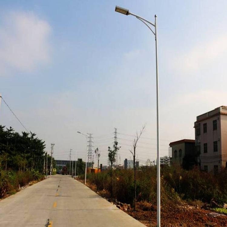 西安农村太阳能路灯6米30瓦安装图片