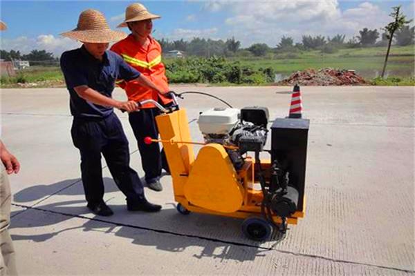 襄阳沥青路面裂缝灌缝胶/热熔密封胶技术指标-欢迎致电