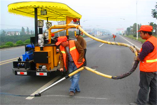 吉林道路灌缝胶-道路裂缝养护用(口碑推荐)