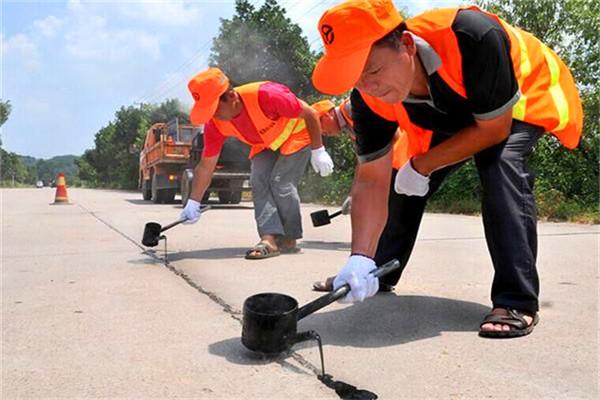 江门灌缝沥青胶/路面裂缝灌封胶快速通车-欢迎致电