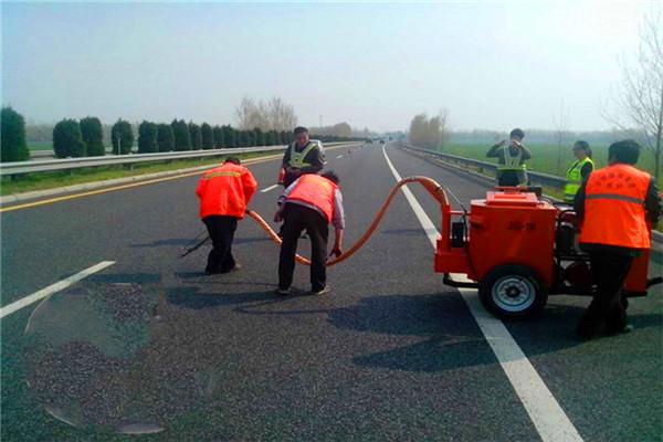 浙江道路灌缝胶/沥青公路裂缝灌缝胶型号齐全