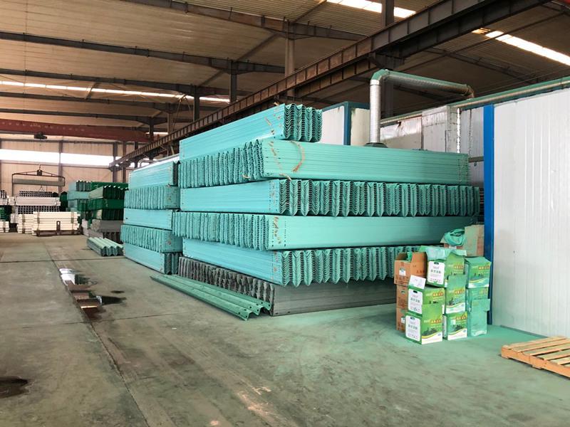 信阳护栏板专业生产-盛泰交通