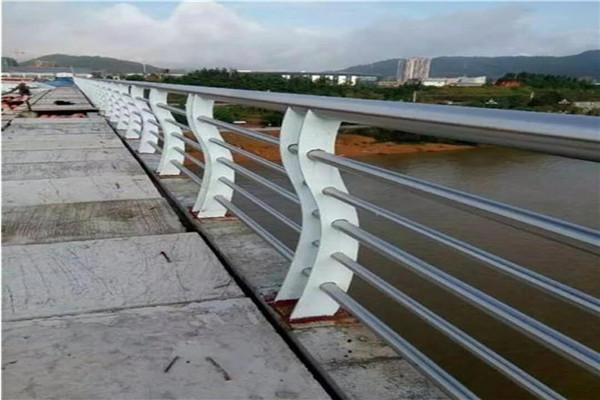 烟台仿木桥梁护栏地址