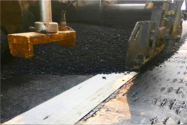 张家口沥青路面防裂贴/道路裂缝抗裂贴不粘胎-欢迎咨询