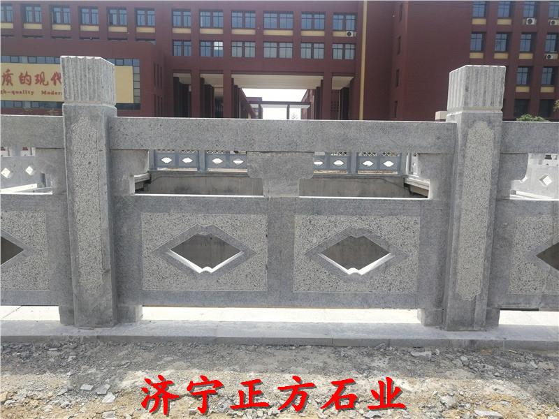 云南保山石护栏图片,石雕人物生产厂家厂家联系电话