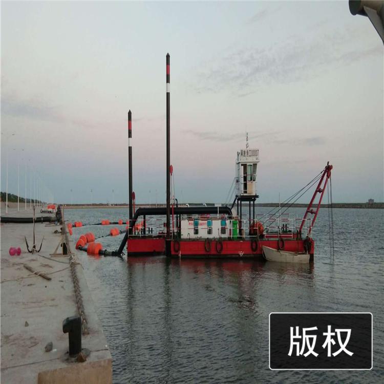 牡丹江市东宁县大型清淤船工作现场