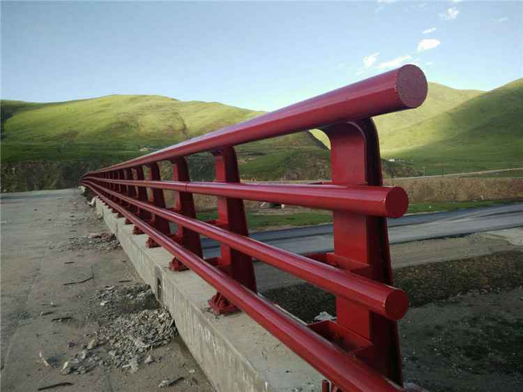 黄石桥梁防撞护栏不锈钢多少钱一米