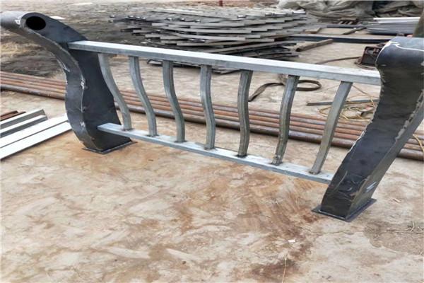 新竹外衬不锈钢复合管厂家多少钱