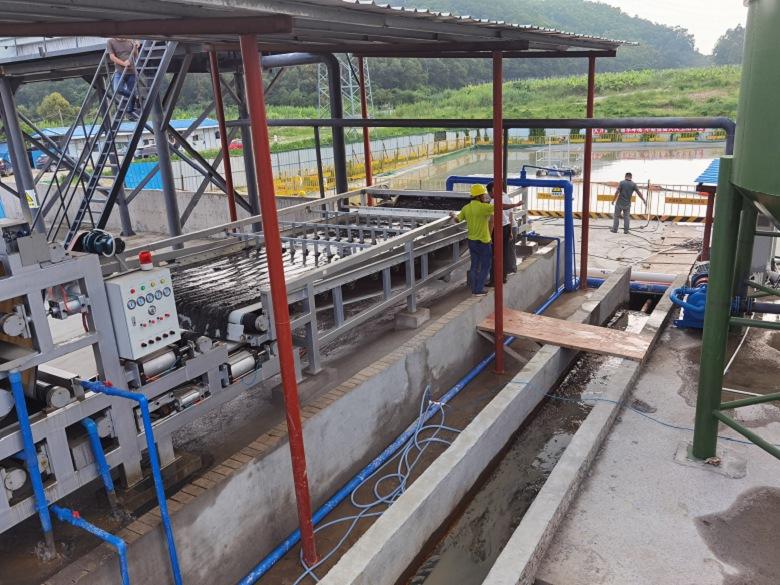 水池清理淤泥|七台河清淤单位