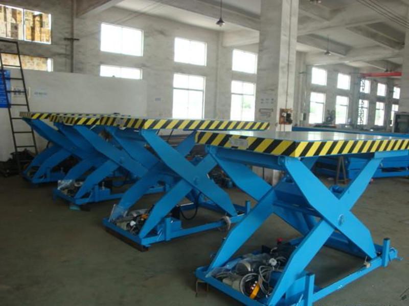 白银1-29吨升降货梯生产厂家