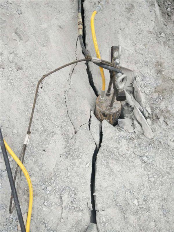 遂川牛人发明岩石破碎器,不用机械或就能让岩石裂开