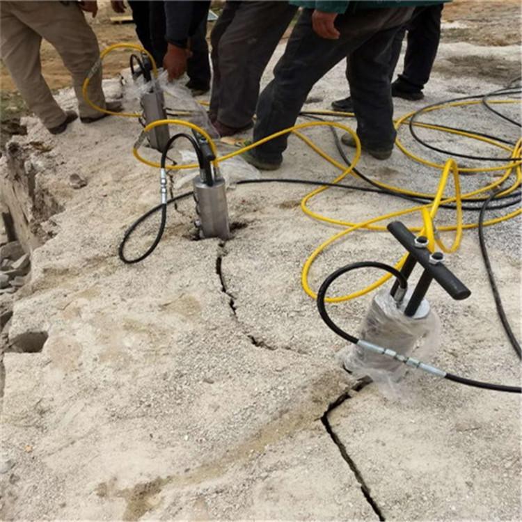 玉树藏族自治州炮头机成本高开采石头成本低设备机械设备劈裂棒