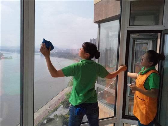 太原晋源新家开荒擦玻璃专业服务